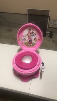 pink and white Minnie Mouse potty trainer San Antonio, 78255