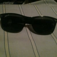 black framed Ray-Ban wayfarer sunglasses Kelowna, V1X 2Y5