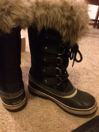 pair of black Sorel Caribou boots Virginia, 55792