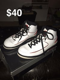 "Retro ""Chicago"" Air Jordan 2 sz 10.5"