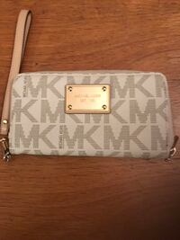 Authentic Michael Kors Wallets New Derby, 06418