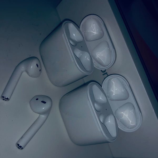 Used Apple airpods for sale - letgo