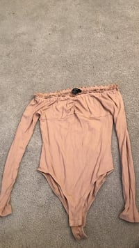 Women's nude of the shoulder body suit forever 21 size small Toronto, M6R 1M9