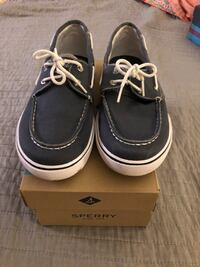 Sperry boys size 6