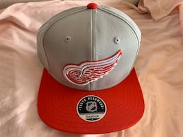 Detroit Red Wings Official Reebok Face Off Youth Snap back NHL Hat