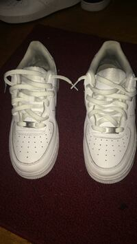 pair of white Nike Air Force 1 low shoes Eastpointe, 48021