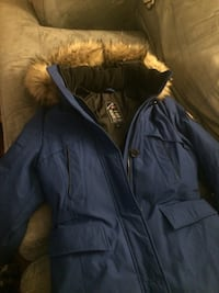 Woman's xs alpine ( fits like a small) long parka . extremely warm, worn twice .. great winter jacket !!!! Toronto, M4C 5G8
