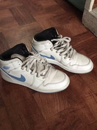pair of white-and-blue Nike sneakers Altadena, 91001