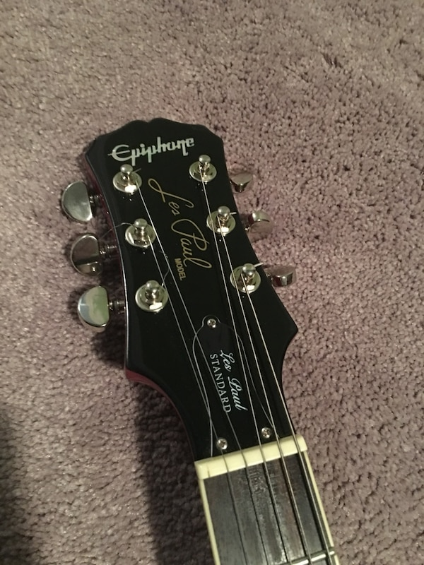 Used and new guitar in Newark - letgo
