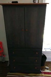 Dresser - tall, strong and like new Mississauga, L5E 2H8