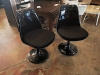 Set of 2 Saarinen Tulip Chairs in Black Los Angeles