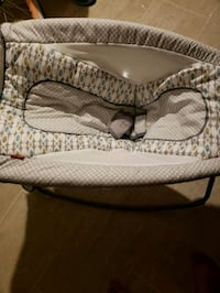 baby's gray and white bassinet Lanham, 20706