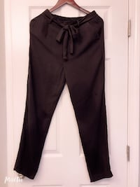 Forever 21 Women's pant Silk like/Lien like materials Size M Milpitas