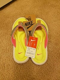 Women's Nike Flip Flops NWT Woodbridge, 22191
