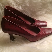 Pair of red patent leather pointed-toe pumps Mc Lean, 22102