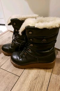 Womens Moose Knuckle Winter Boots Toronto, M2J 0E1