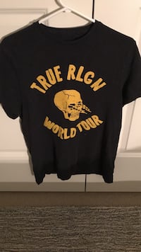 Black and yellow true religion world tour crew-neck t-shirt Whitby, L1M