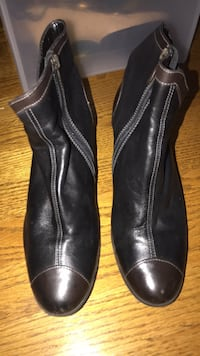 Boots size 8 Frederick, 21702