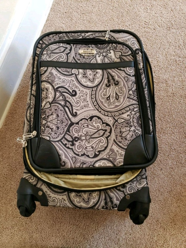 black and gray paisley print travel bag 1dc9a1f6-852a-4369-8518-53cee62135e7