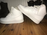 Pair of white nike air force 1 high Ijamsville, 21754