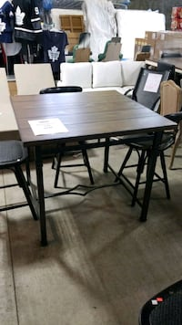 wayfair pub table Mississauga, L4X 1R1