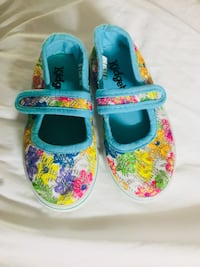 Girl shoes brand new size 6 t Richmond Hill, 31324