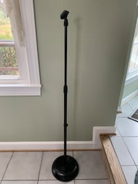 Microphone stand and microphone with two cables  Gainesville, 20155