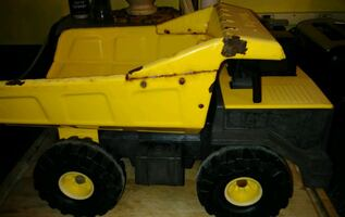 ANITQUE TOY DUMP TRUCK BY TONKA