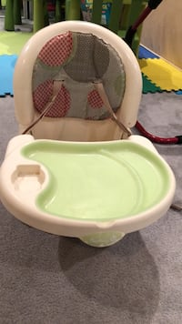 baby's white and green high chair Richmond Hill, L4C