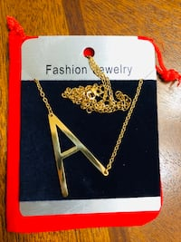 Brand new Vintage 3D Initial  Letter Pendant Necklace   (pick up only) Alexandria, 22310