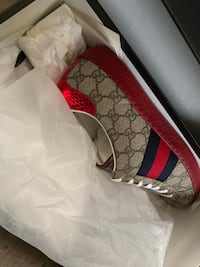 Gucci feets size 9 New York