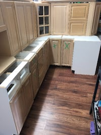 Kitchen Cupboard Set with Crown Molding