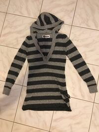 Roots ladies extra small sweater Toronto, M9A 4V7
