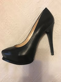 unpaired black leather platform stiletto Vaughan, L4J 5L6