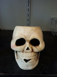 Skeleton candle head