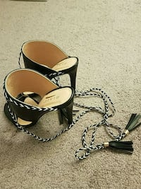 Black-and-white leather sandals, Size 8 Las Vegas, 89103