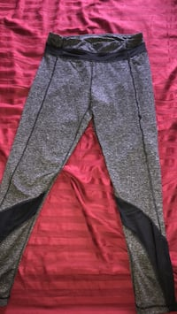 Gray and black leggings  Winnipeg, R2N 0C3