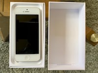 iPhone 5 MINT condition with box and all new accessories; Apple Baltimore, 21230