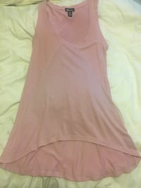 Pink short sleeved top- Size M Toronto, M5T 2P4