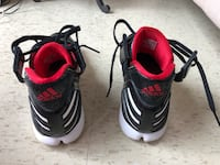 Adidas Derrick rose basketball shoes size 10.5 mens.. Hamilton, L8N 1H2
