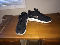 Nike air Max 90 trainers and Nike SB Trainendors