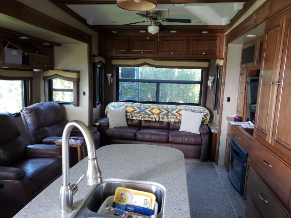 2015 Big Country 5th wheel 39'   1