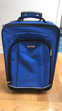 Rolling suitcase. Perfect for a child/young teen  Chicago, 60614