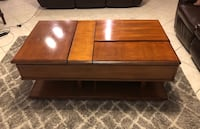 Birch wood coffee table with two lift tops Las Vegas, 89148