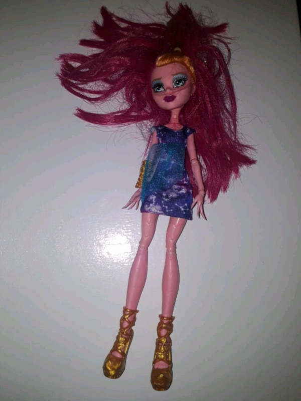 monster high 94b5b682-d431-46b1-8af6-3890266db2a3