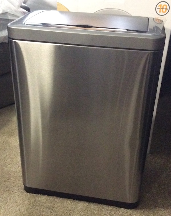 STAINLESS GARBAGE CONTAINER WITH BATTERY OPERATED LID AND INNER LINER!