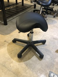 Brand new hydraulic rolling saddle stool chair   多伦多, M8V 1X8