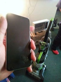 64GB Sprint IPhone X  22 km