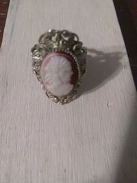 Cameo vintage 10K solid gold woman ring