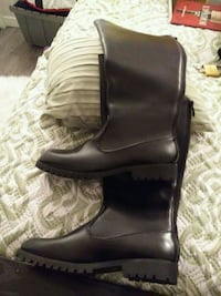 Sz10 leather winter boots Burnaby, V5J 4H3